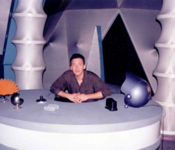 Tony Sansevero on the set of the Sixth Grade Alien TV show.